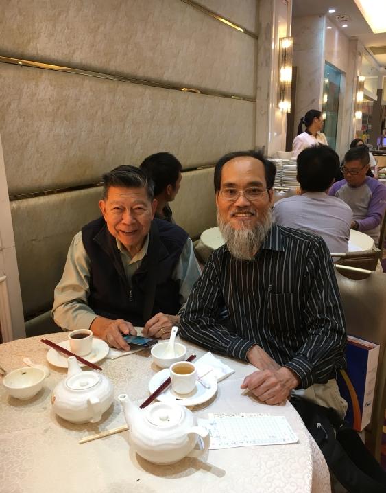 2016年冬, 黄秉勤與羅思美老師於元朗茶聚。/黃秉勤提供。